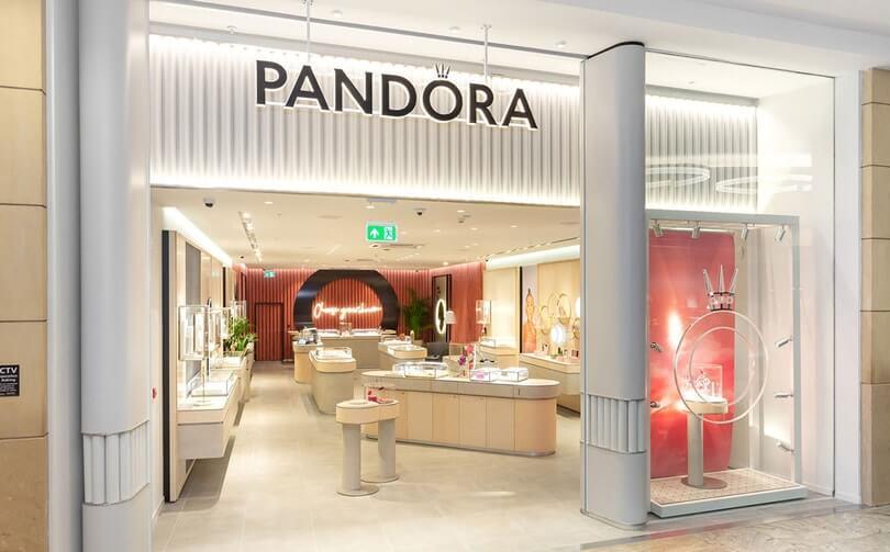 La firma Pandora se compromete a usar solo metales reciclados para sus joyas