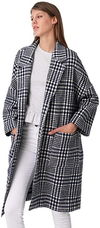 Los 5 abrigos de cuadros de moda en 2021