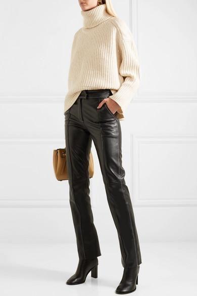 Pantalones de piel con looks fáciles de llevar ahora