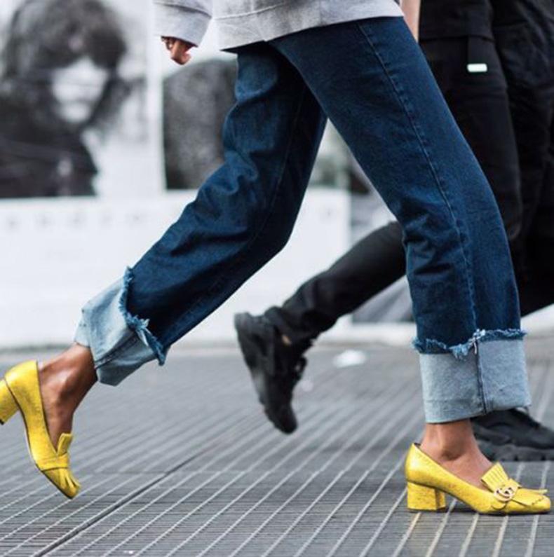 Calzado en amarillo tendencia 2021
