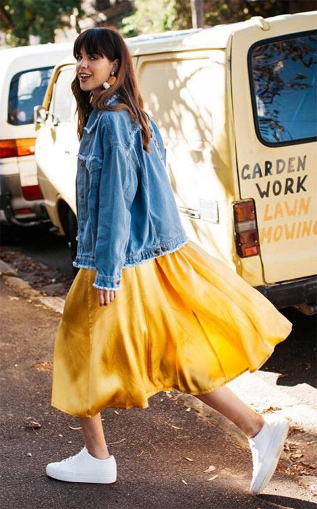 falda de color amarillo Catálogo 2021