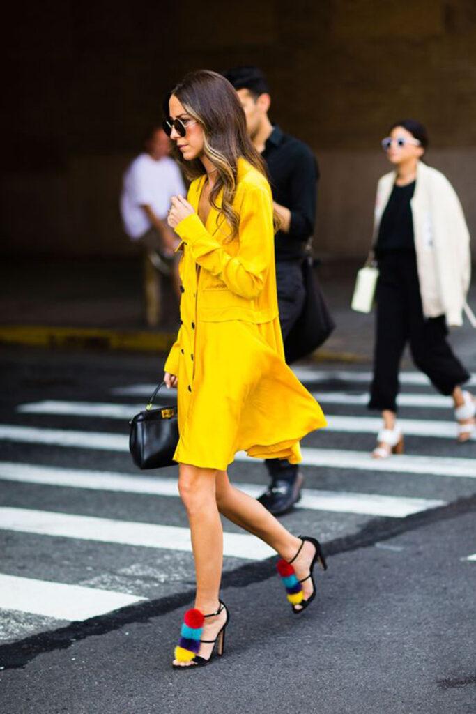 vestido amarillo catalogo color 2021