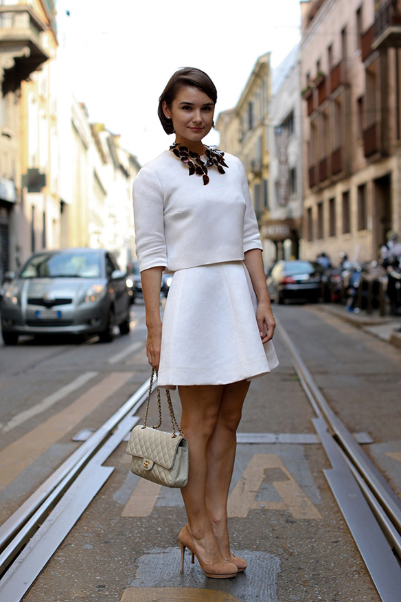 Color blanco para look de primavera