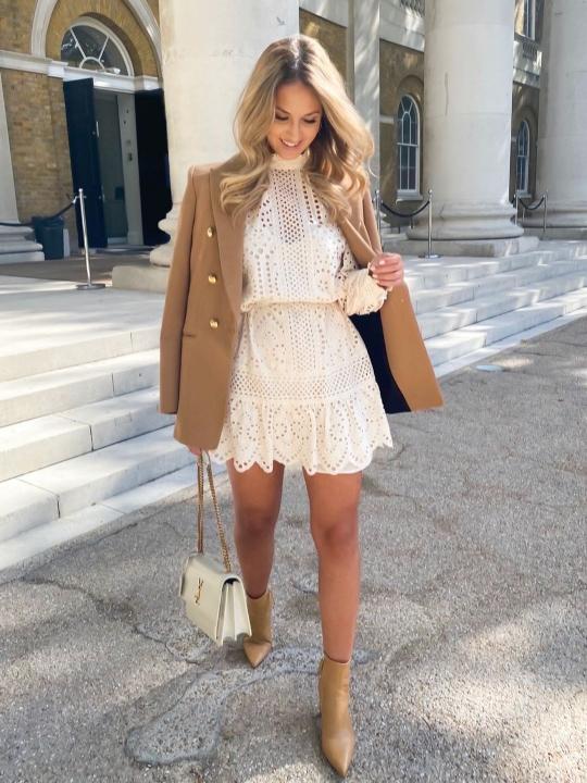 Blazer camel con Vestido primavera 2021