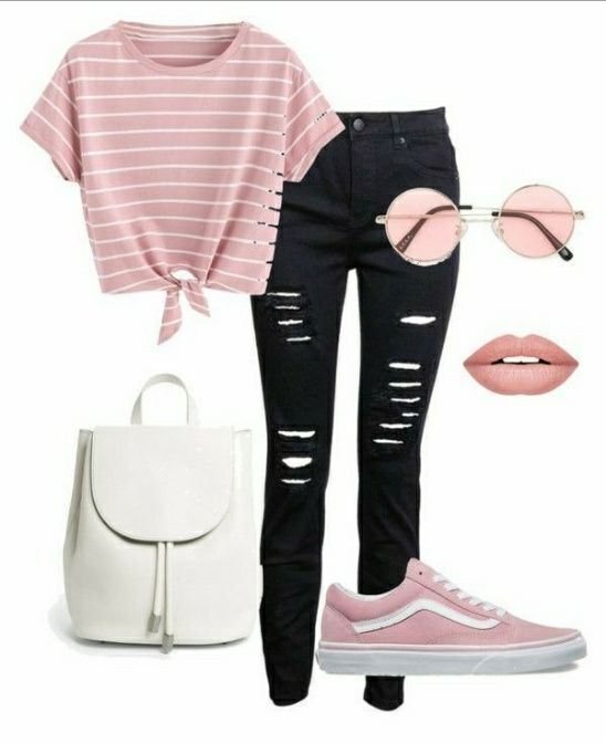 Outfit con deportivas rosa